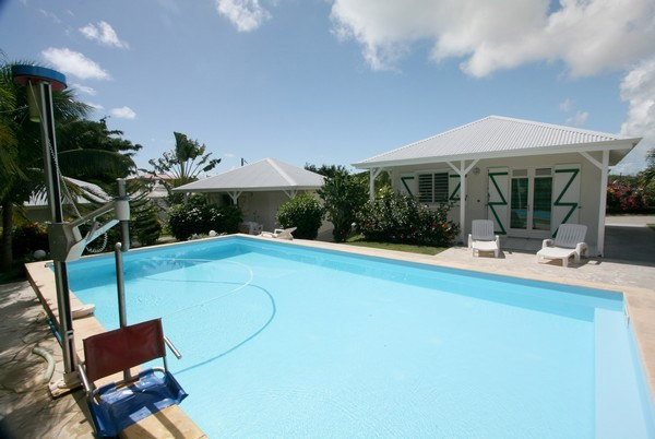 Pmr guadeloupe for Piscine miroir guadeloupe